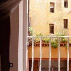 Отель Sangallo Rooms Италия, Рим - отзывы, цены и фото номеров - забронировать отель Sangallo Rooms онлайн балкон