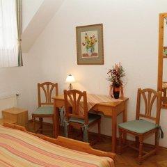 Отель Sant Georg Garni Чехия, Марианске-Лазне - отзывы, цены и фото номеров - забронировать отель Sant Georg Garni онлайн комната для гостей фото 2