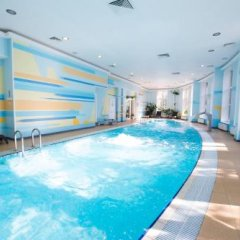 Гостиница Истра Holiday в Трусово 2 отзыва об отеле, цены и фото номеров - забронировать гостиницу Истра Holiday онлайн бассейн фото 3