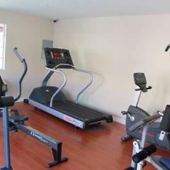 Отель Crystal Inn Suites & Spas фитнесс-зал