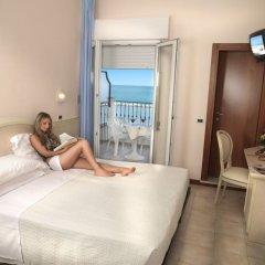 Hotel Zeus Римини комната для гостей фото 4