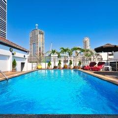 Отель Admiral Suites Sukhumvit 22 By Compass Hospitality Бангкок бассейн фото 2