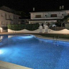 Отель Manila Houses C-2 бассейн