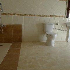 Отель Hostel Conil Испания, Кониль-де-ла-Фронтера - отзывы, цены и фото номеров - забронировать отель Hostel Conil онлайн ванная