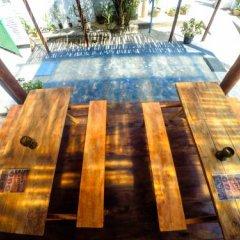 Отель Surfing Beach Guest House Шри-Ланка, Хиккадува - отзывы, цены и фото номеров - забронировать отель Surfing Beach Guest House онлайн бассейн