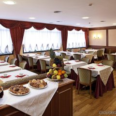 Rege Hotel Сан-Донато-Миланезе питание фото 2