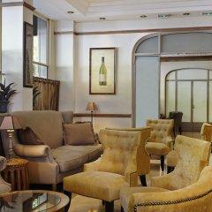 Royal Hotel Paris Champs Elysées интерьер отеля