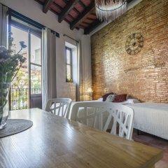 Отель Royal Apartbeds Испания, Валенсия - отзывы, цены и фото номеров - забронировать отель Royal Apartbeds онлайн комната для гостей фото 2
