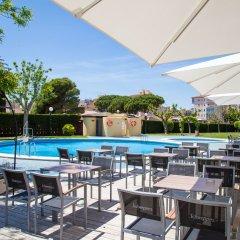 Отель Prestige Goya Park Испания, Курорт Росес - отзывы, цены и фото номеров - забронировать отель Prestige Goya Park онлайн бассейн фото 3