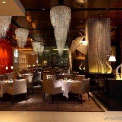 Отель Mandarin Oriental Kuala Lumpur Малайзия, Куала-Лумпур - 2 отзыва об отеле, цены и фото номеров - забронировать отель Mandarin Oriental Kuala Lumpur онлайн питание фото 3