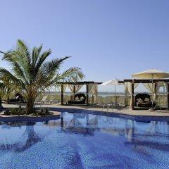 Radisson Blu Hotel, Abu Dhabi Yas Island бассейн
