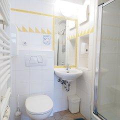 Отель Hostel Ruthensteiner Австрия, Вена - отзывы, цены и фото номеров - забронировать отель Hostel Ruthensteiner онлайн ванная