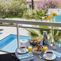 Отель Suites Cannes Croisette Франция, Канны - 2 отзыва об отеле, цены и фото номеров - забронировать отель Suites Cannes Croisette онлайн балкон