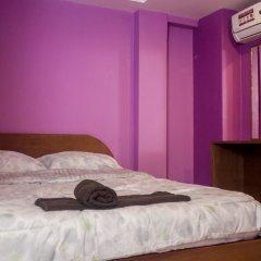 Отель Haveeli Guesthouse and Mujra сейф в номере