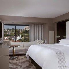 Отель Beverly Hills Marriott комната для гостей фото 3