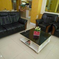 Отель Zen Rooms Surasak 1 Бангкок комната для гостей