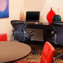 Отель Sheraton Bloomington Блумингтон удобства в номере