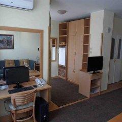 Отель Voyager B&b Нови Сад комната для гостей