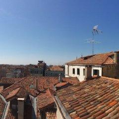 Отель Palazzetto Pisani Италия, Венеция - 3 отзыва об отеле, цены и фото номеров - забронировать отель Palazzetto Pisani онлайн балкон