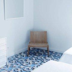 Отель L'Esplai Valencia Bed and Breakfast бассейн