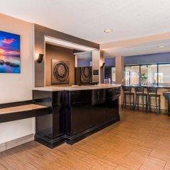 Отель Best Western Dunkirk & Fredonia Inn США, Дюнкерк - отзывы, цены и фото номеров - забронировать отель Best Western Dunkirk & Fredonia Inn онлайн гостиничный бар
