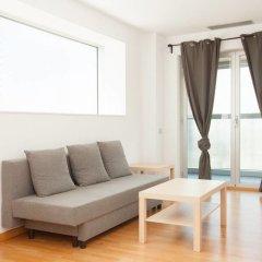 Отель Akira Flats Fira Gran Via Barcelona Оспиталет-де-Льобрегат комната для гостей фото 5