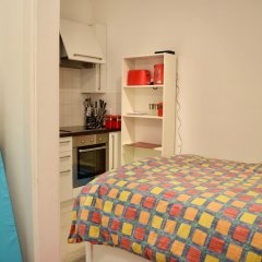 Апартаменты Bright Studio Flat in Knightsbridge Лондон в номере