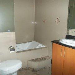 Отель Affinity Condo Resort - Luxury Hotel Филиппины, Пампанга - отзывы, цены и фото номеров - забронировать отель Affinity Condo Resort - Luxury Hotel онлайн ванная