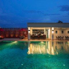 Отель Chomview Residence бассейн