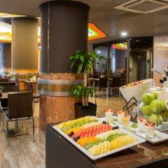 Отель HF Fénix Porto Португалия, Порту - отзывы, цены и фото номеров - забронировать отель HF Fénix Porto онлайн питание фото 3