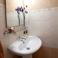 Отель Myrsini's Garden Кипр, Протарас - отзывы, цены и фото номеров - забронировать отель Myrsini's Garden онлайн ванная фото 2