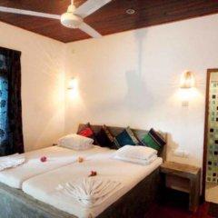Отель Star Holiday Resort Хиккадува сейф в номере