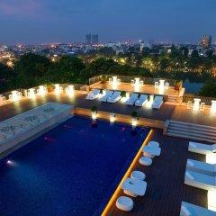 Apricot Hotel бассейн