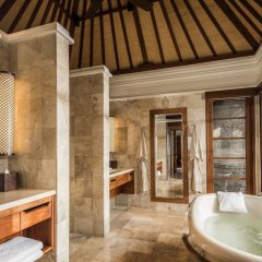 Отель Four Seasons Resort Bali at Jimbaran Bay ванная фото 2