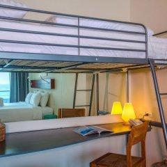 Отель Surin Beach Resort Пхукет удобства в номере фото 2