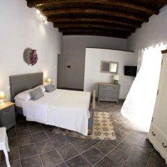 Отель Reginella B&B Palermo сейф в номере