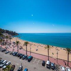 Отель Apartaments AR Borodin Испания, Льорет-де-Мар - отзывы, цены и фото номеров - забронировать отель Apartaments AR Borodin онлайн пляж