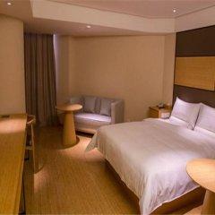 Отель JI Hotel Shanghai Hongqiao Transport Hub Linkong Zone Китай, Шанхай - отзывы, цены и фото номеров - забронировать отель JI Hotel Shanghai Hongqiao Transport Hub Linkong Zone онлайн комната для гостей фото 2