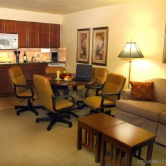 Отель Staybridge Suites Sacramento Airport Natomas комната для гостей