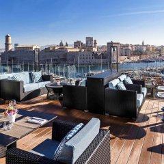 Отель Sofitel Marseille Vieux Port Франция, Марсель - 2 отзыва об отеле, цены и фото номеров - забронировать отель Sofitel Marseille Vieux Port онлайн приотельная территория фото 2