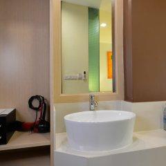 Отель Icheck Inn Silom Бангкок сейф в номере