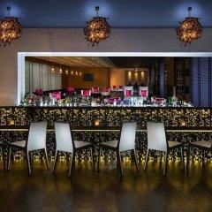 Отель Sofitel Abu Dhabi Corniche ОАЭ, Абу-Даби - 1 отзыв об отеле, цены и фото номеров - забронировать отель Sofitel Abu Dhabi Corniche онлайн гостиничный бар фото 3