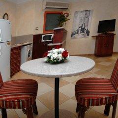 Отель Al Liwan Suites комната для гостей