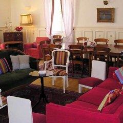 Family Hotel Okoř Тухловице гостиничный бар