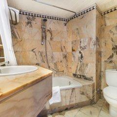 Отель Globales Palmanova Palace Испания, Пальманова - 2 отзыва об отеле, цены и фото номеров - забронировать отель Globales Palmanova Palace онлайн ванная фото 2