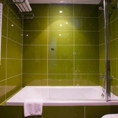 Гостиница Chagala Ural Residence Казахстан, Атырау - отзывы, цены и фото номеров - забронировать гостиницу Chagala Ural Residence онлайн ванная