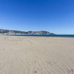 Отель Ahinoa Испания, Курорт Росес - отзывы, цены и фото номеров - забронировать отель Ahinoa онлайн пляж фото 2