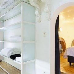 Отель Antwerp 64 Антверпен комната для гостей