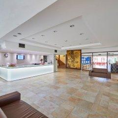 Cala Ferrera Hotel интерьер отеля