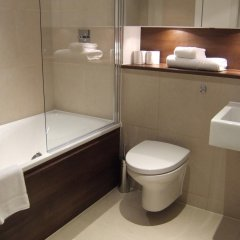 Апартаменты Marlin Apartments Stratford ванная